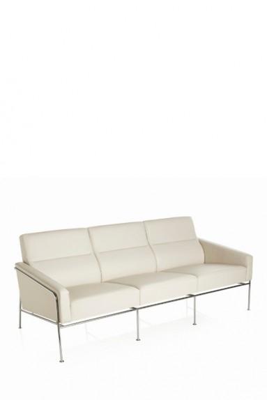 Fritz Hansen - SERIES 3300™ 3-Seater by Arne Jacobsen