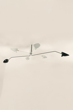 Serge Mouille - Serge Mouille Ceiling Light with 6 pivoting arms in black and white