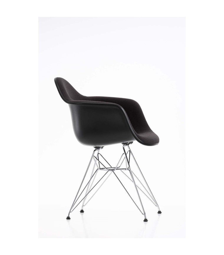 vitra plastic chair dar charles ray eames. Black Bedroom Furniture Sets. Home Design Ideas