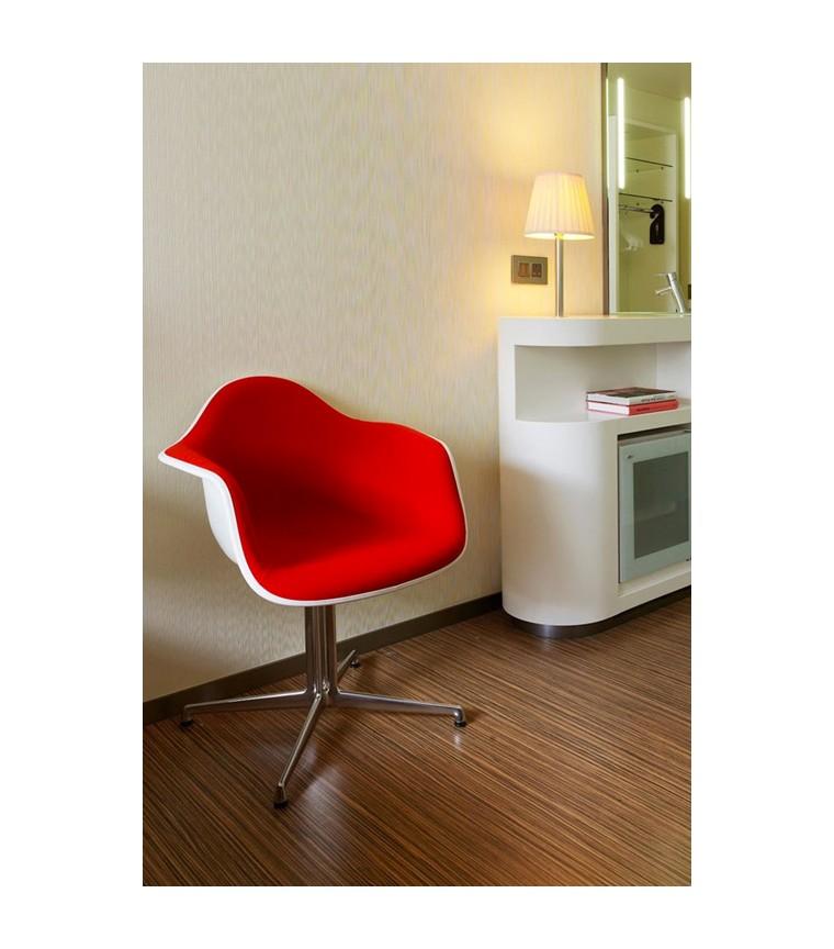 Vitra Plastic Chair Dal Charles Ray Eames Uber Modern