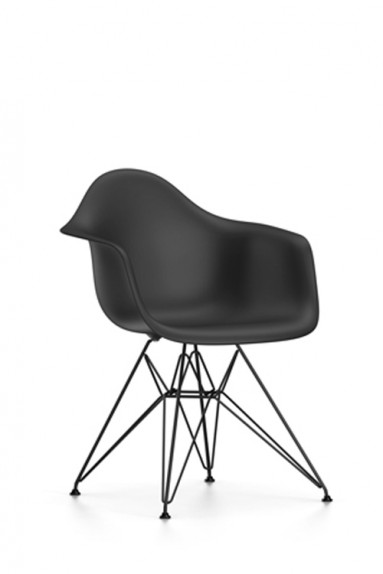 Vitra plastic chair dar charles ray eames for Ray eames stoelen