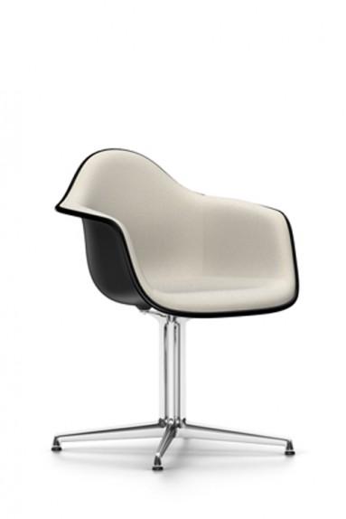 Eames Plastic Armchair passt zu jedem Zweck