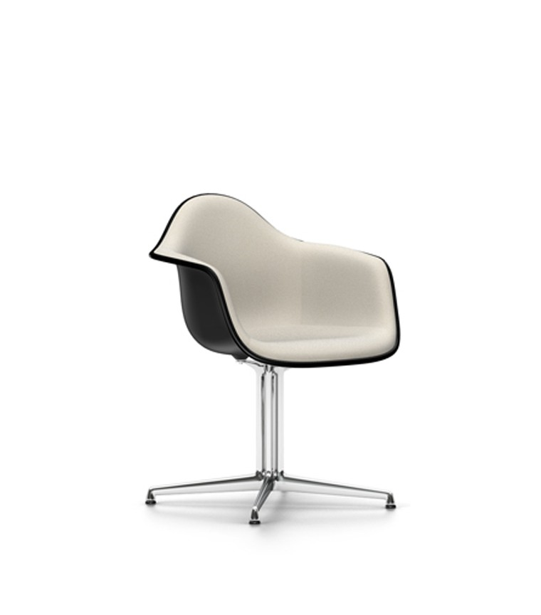 Vitra plastic chair dal charles ray eames for Vitra eames prix