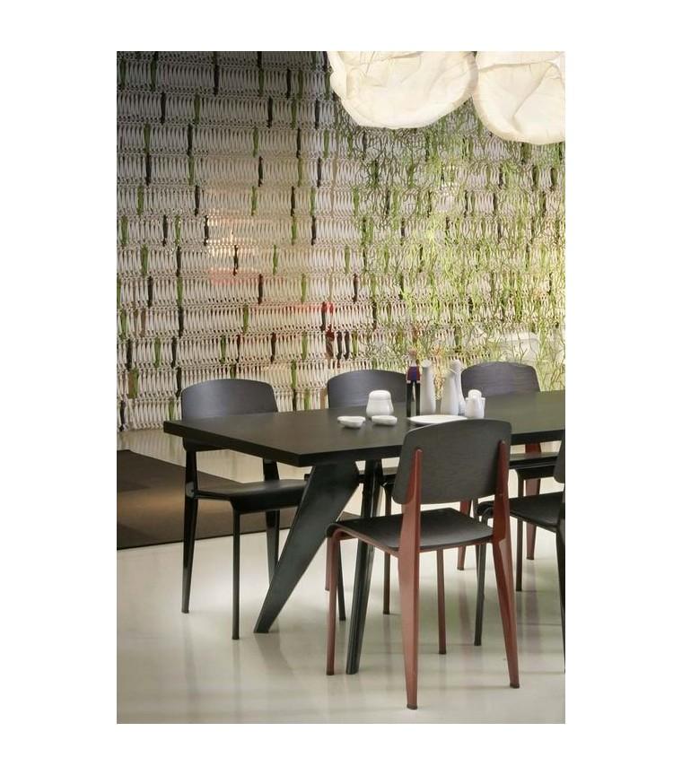 em table bois massif vitra uber modern. Black Bedroom Furniture Sets. Home Design Ideas